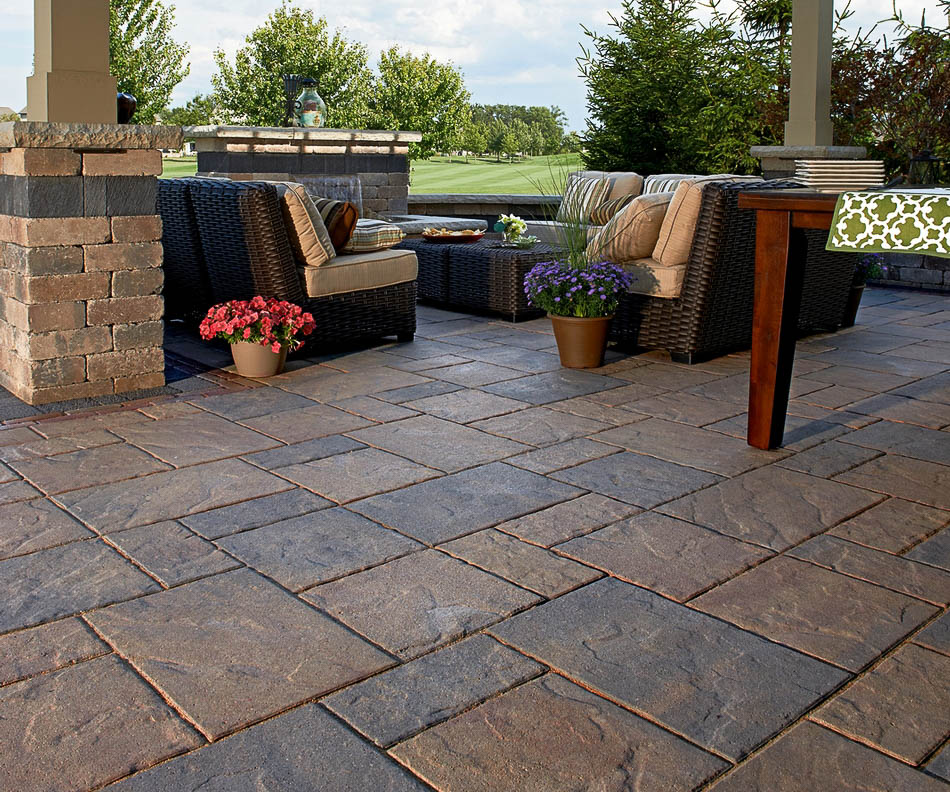 unilock's beacon hill pavers in flagstone