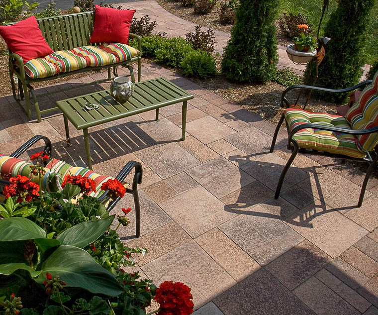 unilock's umbriano pavers in summer wheat