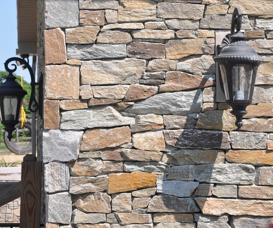 rolling rock natural stone veneer in ostv andover finish, close up detail