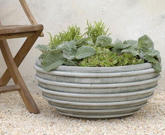 Campania planter
