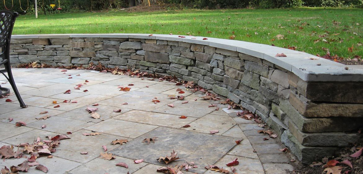 colonial grey wallstone from everlast stone installed by knutsen landscaping