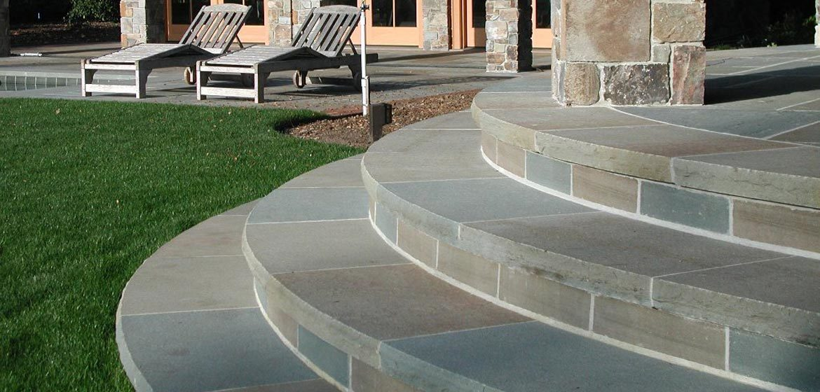 full color thermalled pennsylvania bluestone flagstone and radius cut bluestone step treads
