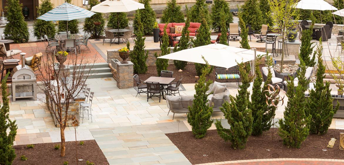 penn stone outdoor showroom and hardscaping display