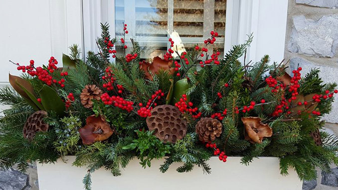 penn stone welcomes laura lapp from perfect pots on november 12 for a holiday season container gardening demonstration