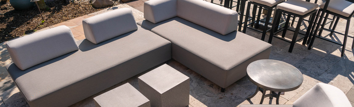 <php penn stone's outdoor furniture sample sale includes dining, lounge chairs, sectional sofas and umbrellas ?>